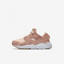 Girls Coral Stardust/Gum Light Brown/White/Rust Pink Nike Huarache SE Lifestyle Shoes 227NBAFZ