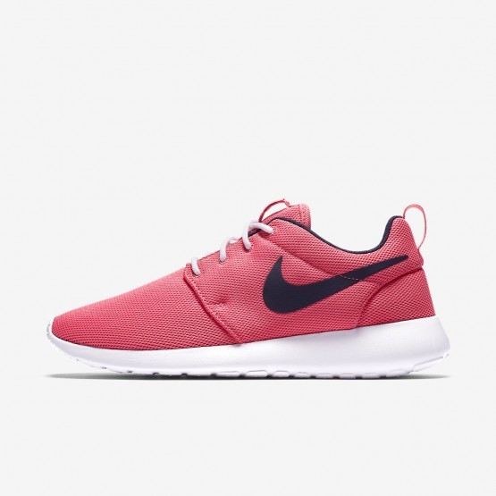 Womens Sea Coral/White/Obsidian Nike Roshe One Lifestyle Shoes 432JFOME