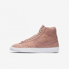 Girls Coral Stardust/Gum Light Brown/White/Rust Pink Nike Blazer Mid SE Lifestyle Shoes 618CUZSE